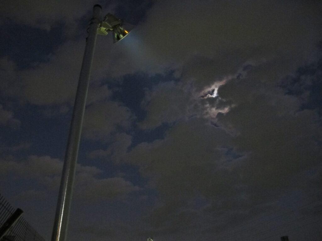 駐車場ポールとLED照明